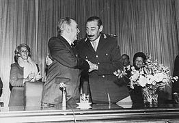 Borges y Videla.jpg