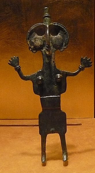 File:Bronze lorestan female figure.JPG