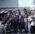 Bundesarchiv Bild 183-M0730-408, Berlin, Alexanderplatz, Festivaldelegierte.jpg
