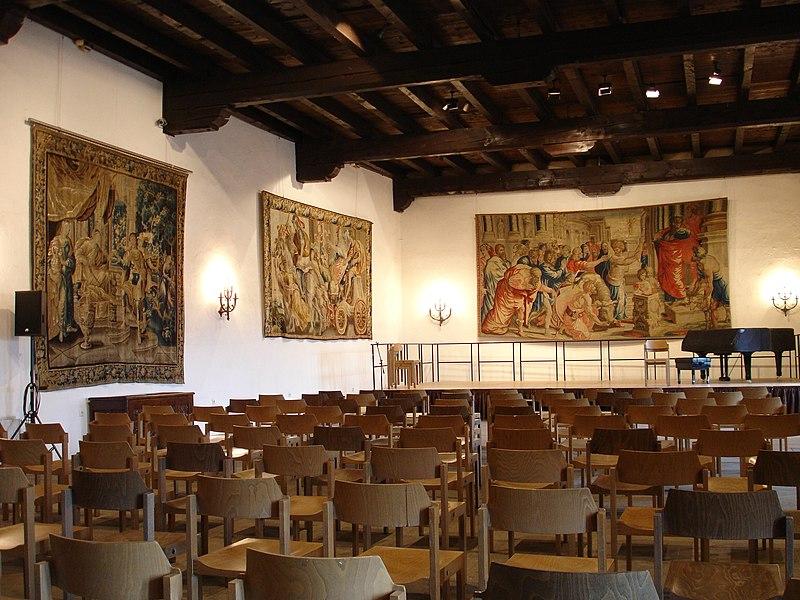 File:Burg Vianden 4.JPG