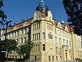 Bydgoszcz, Miejska Szkoła Realna, ob. Technikum Kolejowe, 1905-1907 z parku im. J. Kochanowskiego.JPG