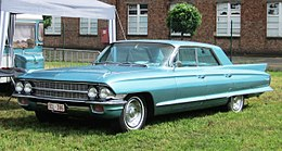 Cadillac sedan de Ville 1962 exhibited at Schaffen-Diest 2013.JPG