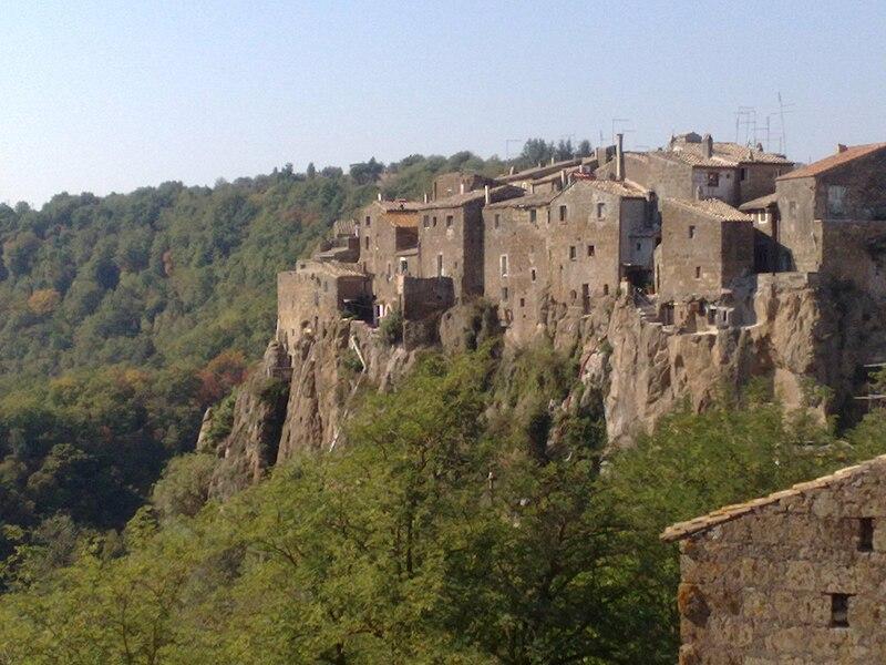 Qué visitar cerca de Roma, Panorámica Calcata, Italia