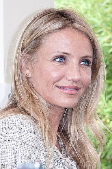 Diaz at Paris press conference for Knight & Day held in Bordeaux, July 2010. CameronDiazByCarolineRenouard2010.jpg
