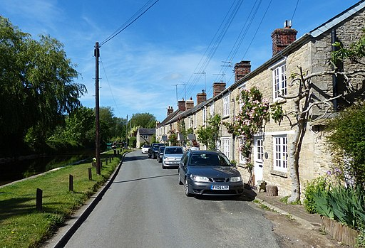 Canal Road, Thrupp, Oxfordshire-geograph-4526773-by-Mat-Fascione