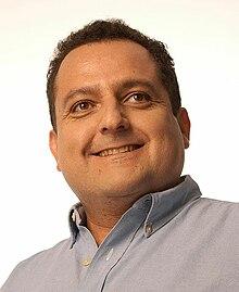http://upload.wikimedia.org/wikipedia/commons/thumb/2/23/Carlos_Mendoza_Davis.JPG/220px-Carlos_Mendoza_Davis.JPG