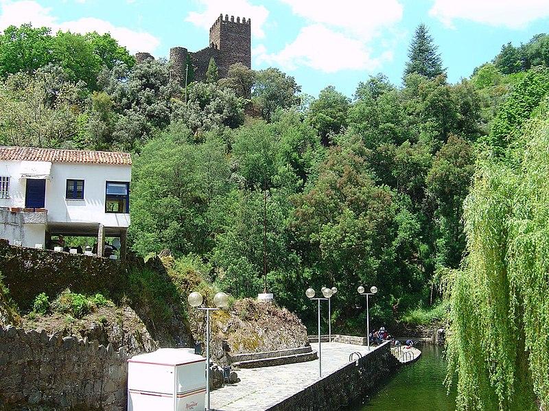 Imagem:Castelo da Lousã.jpg