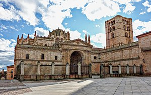 Zamora Cathedral - Image: Catedral de Zamora (fachada principal)2