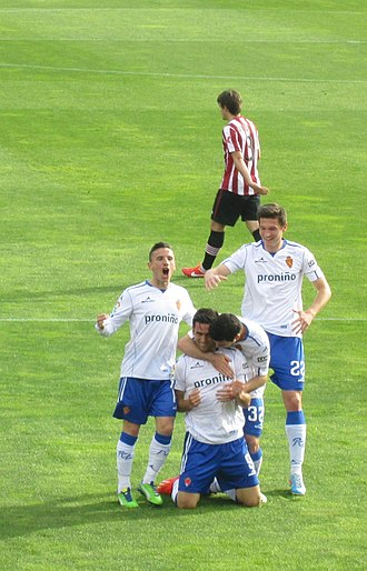 Real Zaragoza - Players celebrate a goal by Hélder Postiga during the 2012–13 season.