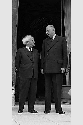 The first meeting between David Ben-Gurion and de Gaulle at Elysee Palace, 1960 Charles De Gaulle - David Ben Gurion 1960.jpg