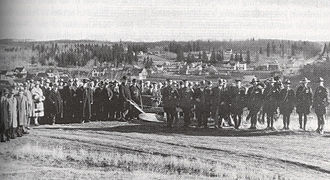 Charles Stewart (Canadian politician) - Stewart (behind the plow) at a sod-turning event in St. Albert, soon after becoming premier
