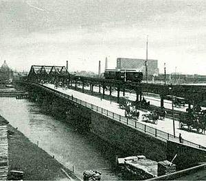 Orange Line (MBTA) - The Charlestown El running over the Charlestown Bridge