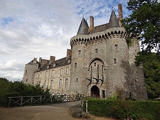 Château de Montmuran (les Iffs) dans Bretagne 320px-Chateau-de-montmuran