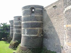 Le Château d'Angers surplombe Angers et la Maine