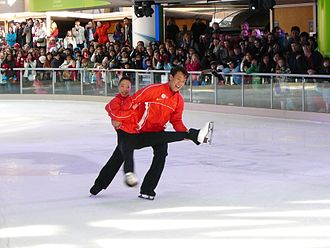 Shen Xue - Shen and Zhao in an outdoor performance after winning Gold at the 2010 Winter Olympics.
