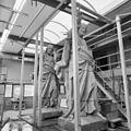 Christusbeeld tijdens vervaardiging in steenhouwerij Jurriens te Maarssenbroek. - Oudenbosch - 20178790 - RCE.jpg
