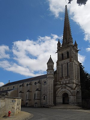 Saint-Julien-l'Ars - The church in St. Julien l'Ars