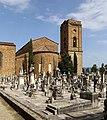 Cimitero delle porte sante, veduta con l'abside di san miniato.jpg