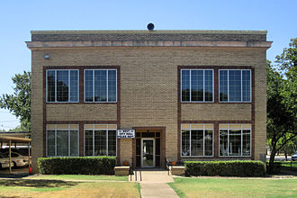 West, Texas - Image: City Hall in West, TX IMG 4905