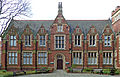 Clothworkers' Building, University of Leeds (Taken by Flickr user 8th February 2013).jpg