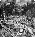 Comerio, Luca (1878-1940) - Bersaglieri scavano fra le macerie dopo il terremoto di Messina (dicembre 1908).jpg