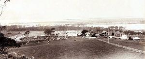 Coolangatta Estate - Coolangatta Estate in 1896. The Great Hall is in the centre back.