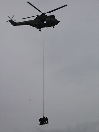 GIGN - Helicopter demo using ESCAPE, a device designed by the group