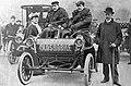 Départ du Tour d'Europe automobile de Maurice Fournier sur Oldsmobile, en novembre 1904.jpg