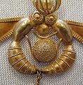 Détail dun collier (Héraklion, Crète) (5759795814).jpg