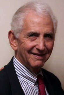 Daniel Ellsberg says boycott Amazon