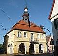 Das Alte Rathaus der ehemals selbständigen Gemeinde Seckenheim wurde 1718 errichtet. - panoramio.jpg