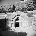 De ingang van de Maria Grafkerk, Bestanddeelnr 255-5353.jpg