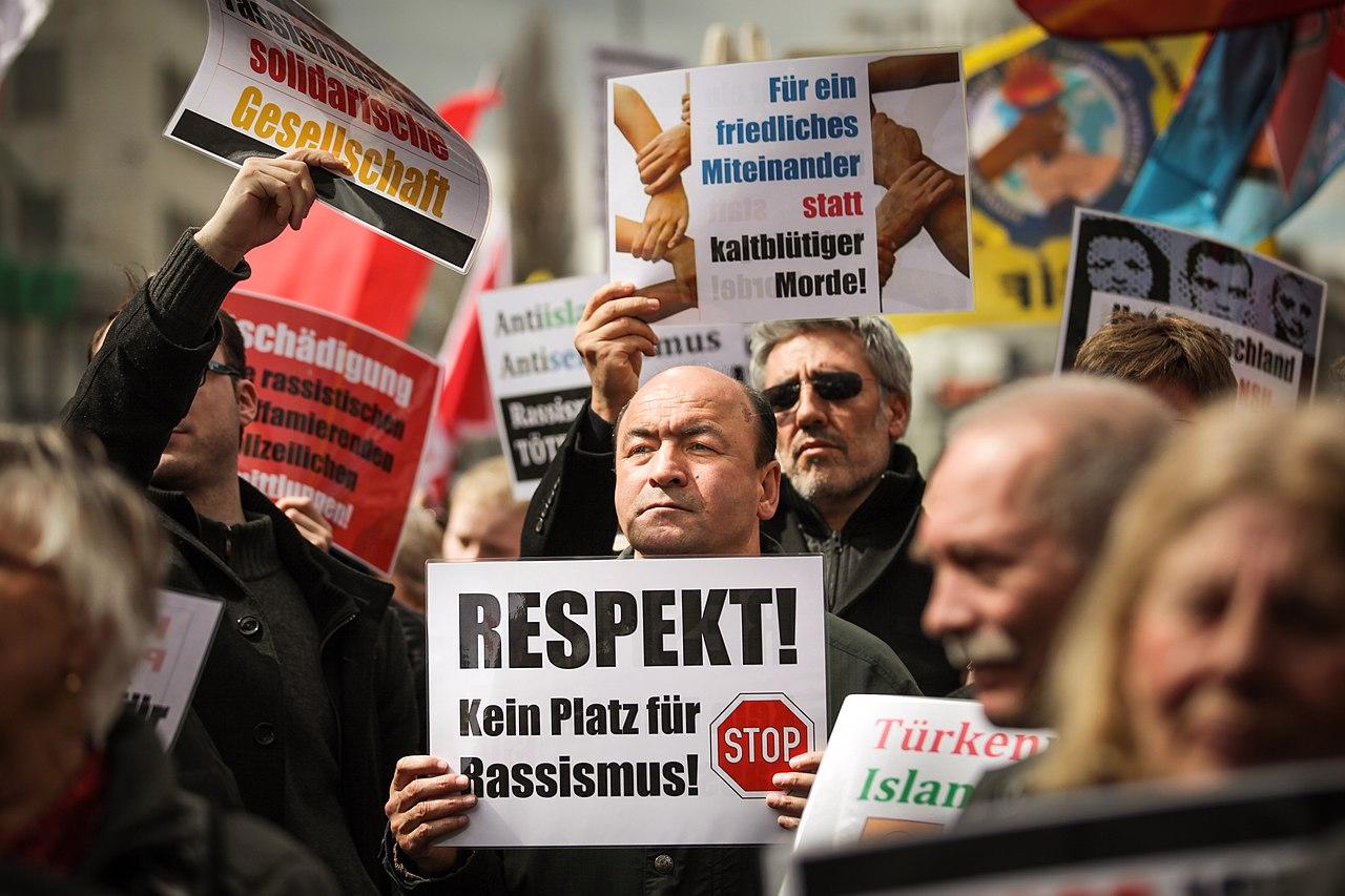 Demonstration NSU-Prozess München (2013-04-13)-04.jpg