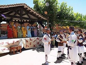 Simancas - Doncellas y paloteo, a historical festival of Simancas.