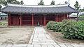 Dongmyo Shrine East Shrine - Seoul, South Korea 13-03126.JPG