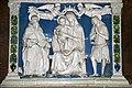 Dossale in terracotta invetriata con Madonna incoronata dagli angeli, S. Giobbe, S. Antonio Abate di Andrea e Giovanni della Robbia.jpg