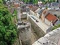 Dourdan (91), vue depuis le donjon du château sur la rue des Geôles.JPG