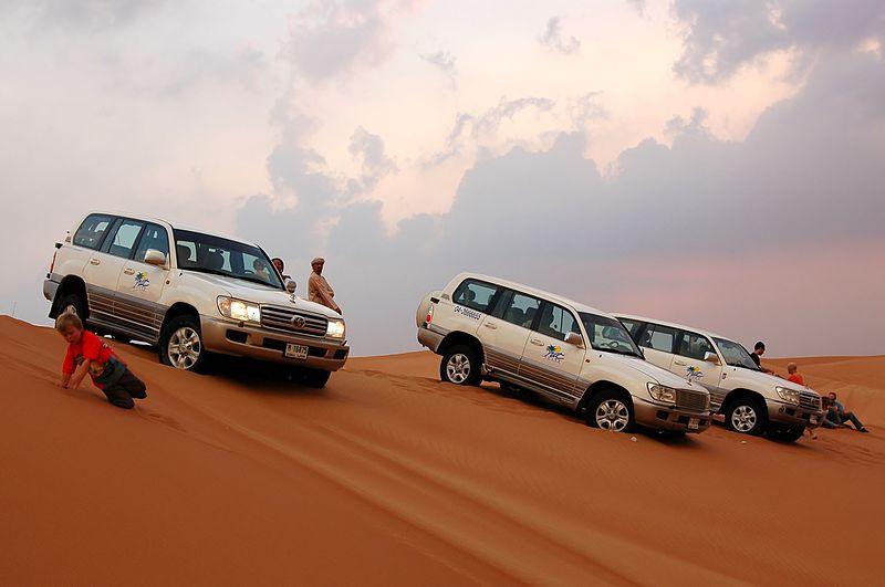 File:Dune bashing, Dubai, 2007 (14).JPG