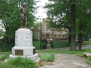 Edgewood, Allegheny County, Pennsylvania - Edgewood's municipal building with its World War I memorial in the foreground