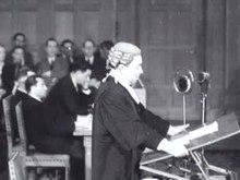 Datei:Eerste na-oorlogse zitting van het Internationaal Hof van Justititie Weeknummer 48-09 - Open Beelden - 30541.ogv