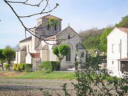 Eglise de Floirac (Charente-Maritime).JPG