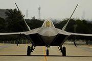 PESAWAT TEMPUR 180px-F22_Begin_Training_In_Japan