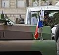 Fanion présidentiel command car 14 juillet 2012.jpg