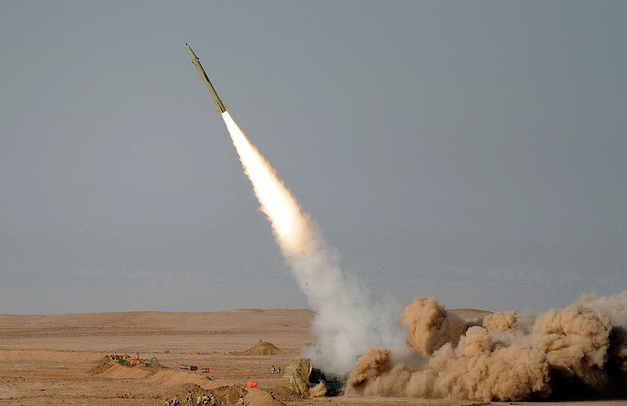 Fateh-110 Missile by YPA.IR 01