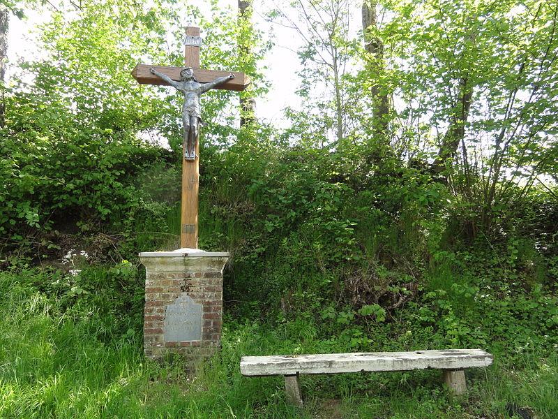 Faucoucourt (Aisne) croix de chemin (sud)