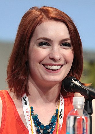Felicia Day - Image: Felicia Day by Gage Skidmore 3