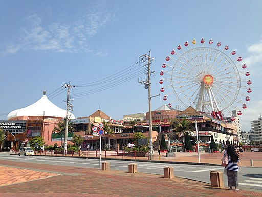 Ferris wheel in Mihama Town Resort American Village 4