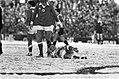 Feyenoord tegen Ajax 4-2, Wim Jansen onderuit in de sneeuw, Bestanddeelnr 931-1923.jpg