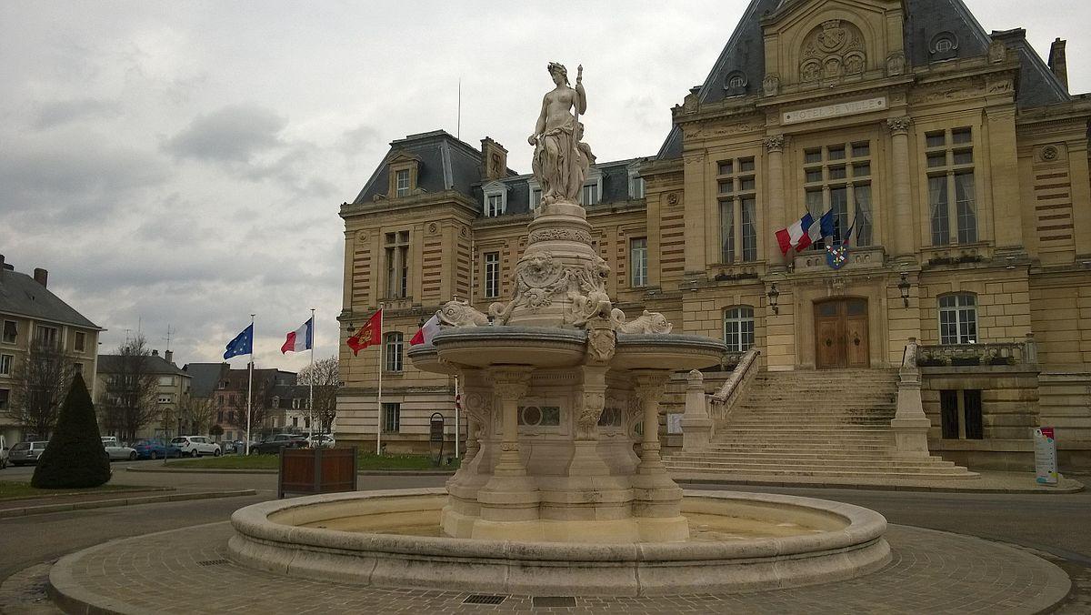 Fontaine monumentale d 39 vreux wikip dia for Piscine d evreux