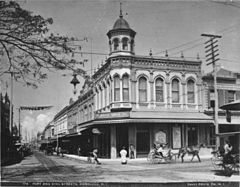 Fort and King Streets, Honolulu, photograph by Frank Davey (PP-38-6-005).jpg